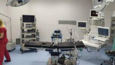 Üniversite hastanesindeki ameliyathanelerin zeminleri yenilendi.