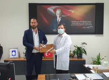 KARESİ MHP'DEN ATATÜRK ŞEHİR HASTAHANESİNE ZİYARET