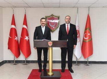 Prof. Dr. Erhan Afyoncu ile görüştü