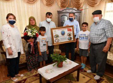 Vali Şıldak 30 Ağustos Zafer Bayramında Şehit Aileleriyle birlikte oldu