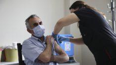 """Vali Şıldak, """"Biontech Aşısı İçin Randevu Alınmalı"""""""
