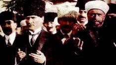 Atatürk konusunda tuhaf bir el var…
