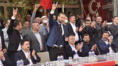Balıkesir'in kalbi orada attı..Sakarya mahallesinde,Karesi MHP'nin hayrında şehitler anıldı..