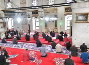 """Zağnos Paşa Camii'nde """"Kur'an Ziyafeti"""" Programı gerçekleştirildi."""
